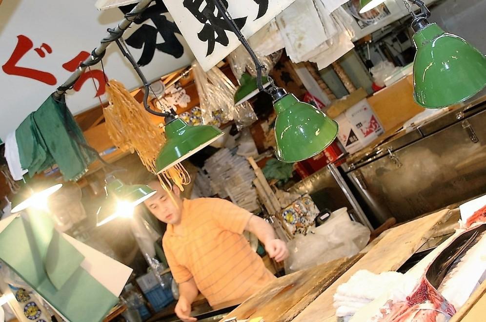tsukiji-lights