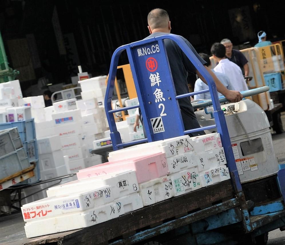 tsukiji-truck